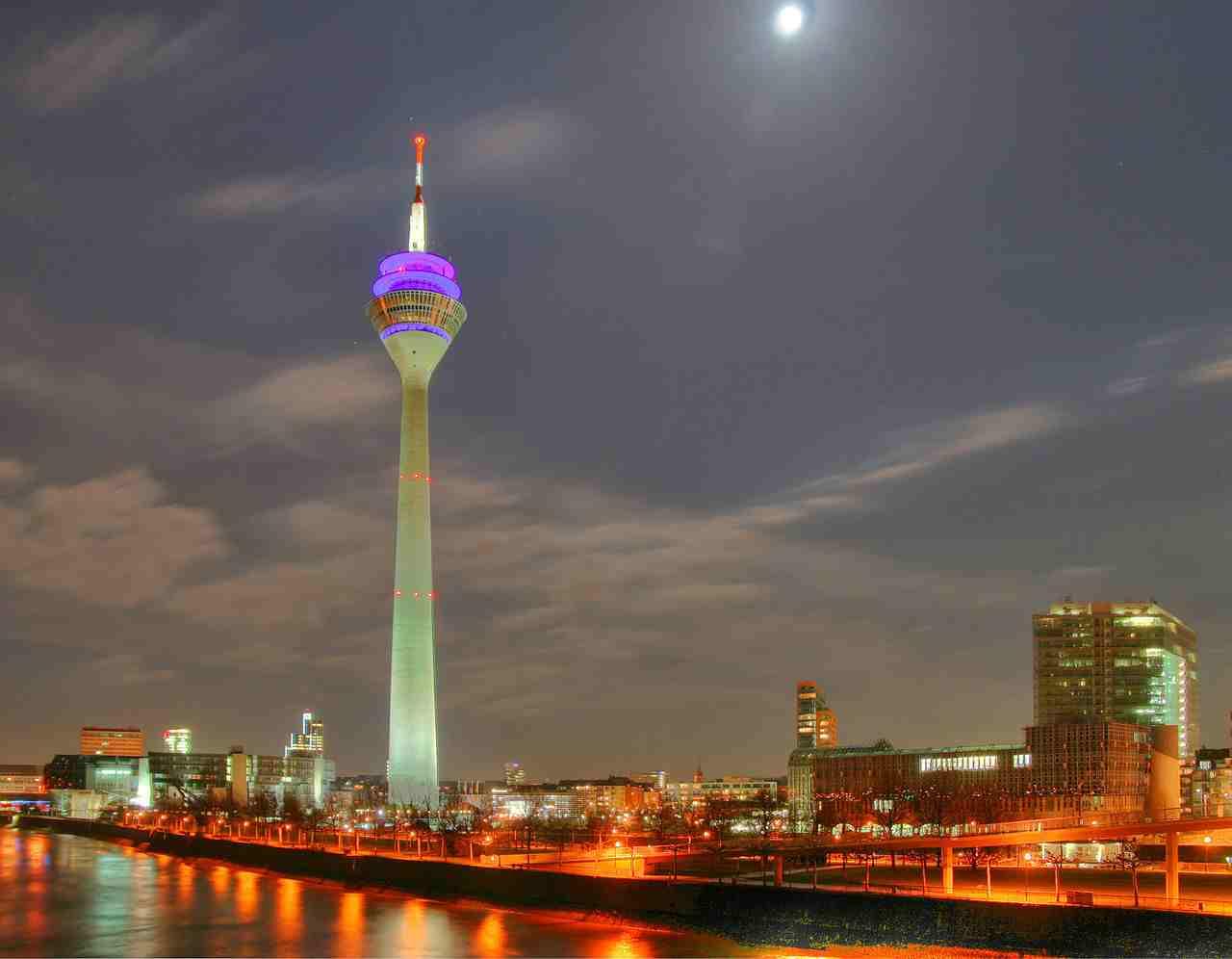 برج الراين من اجمل اماكن دوسلدورف الاماكن السياحية