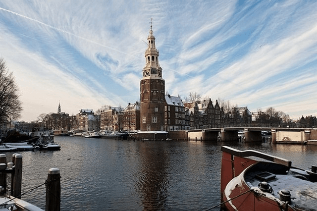 برج مونتيلبانستورن من افضل معالم هولندا امستردام