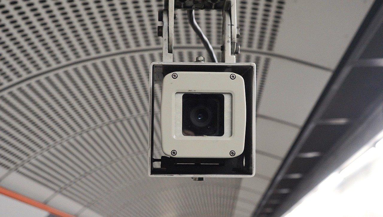 מצלמות אבטחה למפעלים