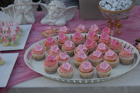 μπουφέ βάπτισης cup cakes γλυκά, ζαχαροπλαστείο καλαμάτας madame charlotte, birthday baptism cup cakes cakes kalamata