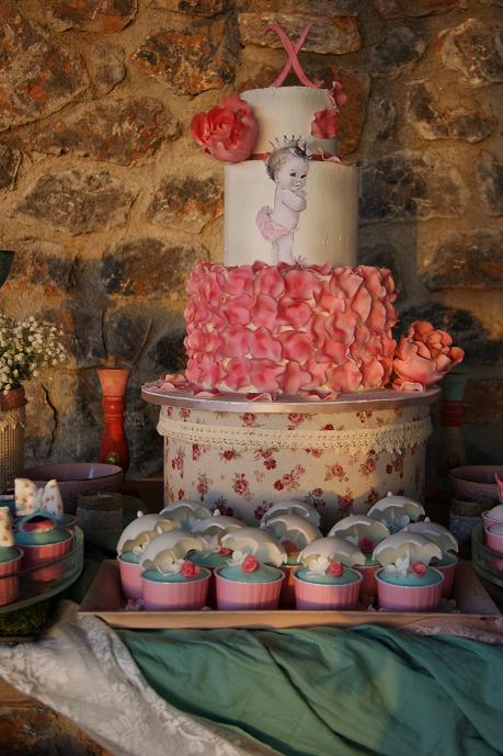 μπουφέ βάπτισης christina vintage, ζαχαροπλαστείο καλαμάτας madame charlotte, birthday baptism theme cakes kalamata