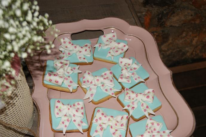 μπουφέ βάπτισης μπισκότα ζαχαρόπαστας christina vintage ζαχαροπλαστείο καλαμάτας madame charlotte, birthday baptism cookies and cakes kalamata