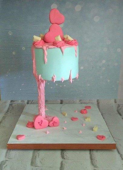 εναέρια τούρτα από ζαχαρόπαστα valentines day madame charlotte καλαμάτα, birthday theme party cakes 2d 3d confectionery patisserie kalamata