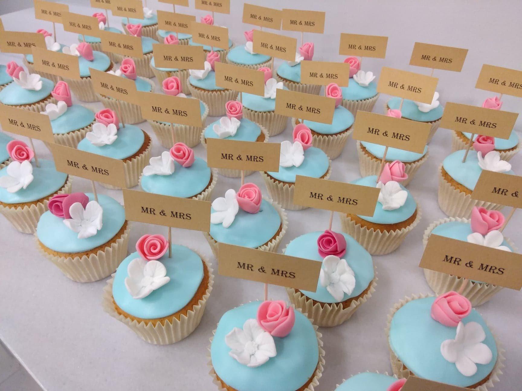 μπουφέ γλυκά γάμου cupcakes mr & mrs λουλούδι μπουμπούκι, madamecharlotte.gr, wedding cakes kalamata