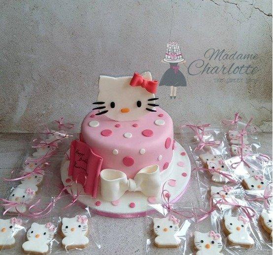 γενεθλίων τούρτα παιδική από ζαχαρόπαστα και μπισκότα βάπτισης hello kitty birthday cake & cookies, ζαχαροπλαστείο καλαμάτα madame charlotte, birthday cakes kalamata