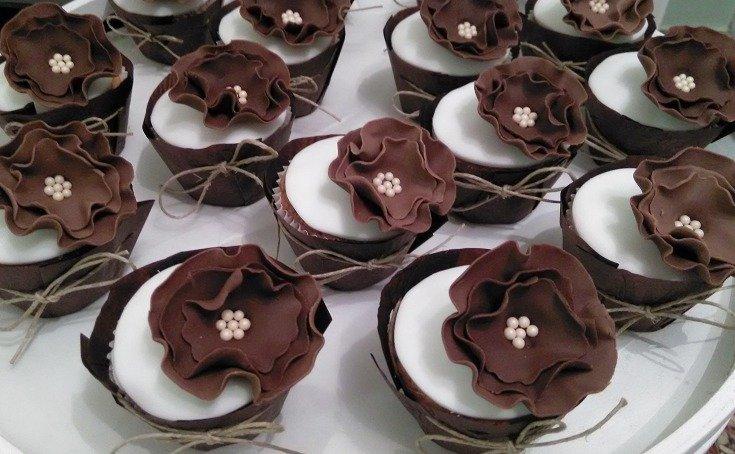μπουφέ cup cakes cupcake zaxaropastas ζαχαροπαστας chocco flowers Ζαχαροπλαστειο καλαματα madame charlotte, wedding cakes kalamata