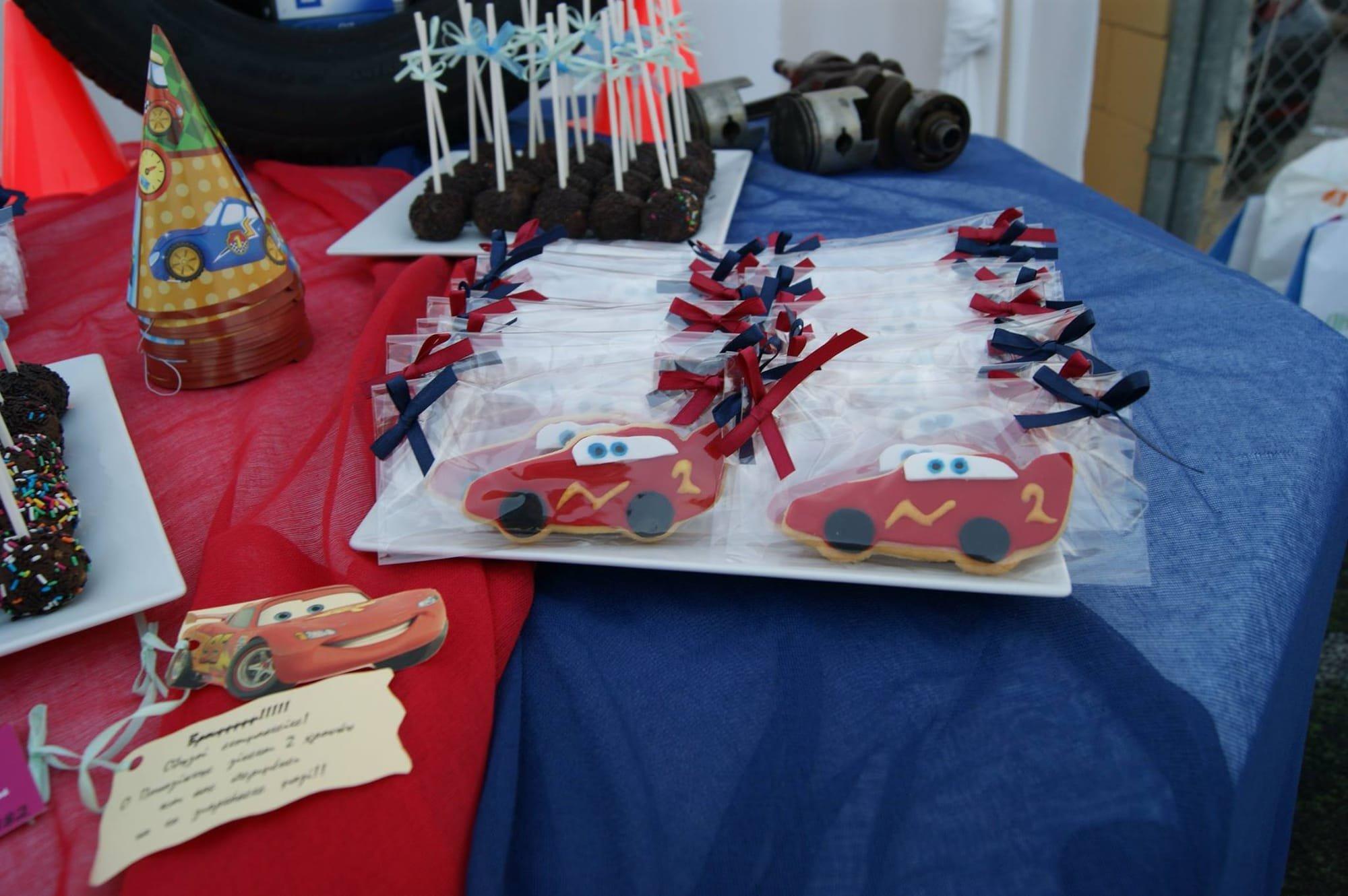 μπουφέ βάπτισης cars mcqueen, Ζαχαροπλαστειο καλαματα madame charlotte, birthday baptism theme cakes and cookies kalamata, madamecharlotte.gr, τούρτες γεννεθλίων γάμου βάπτισης παιδικές θεματικές