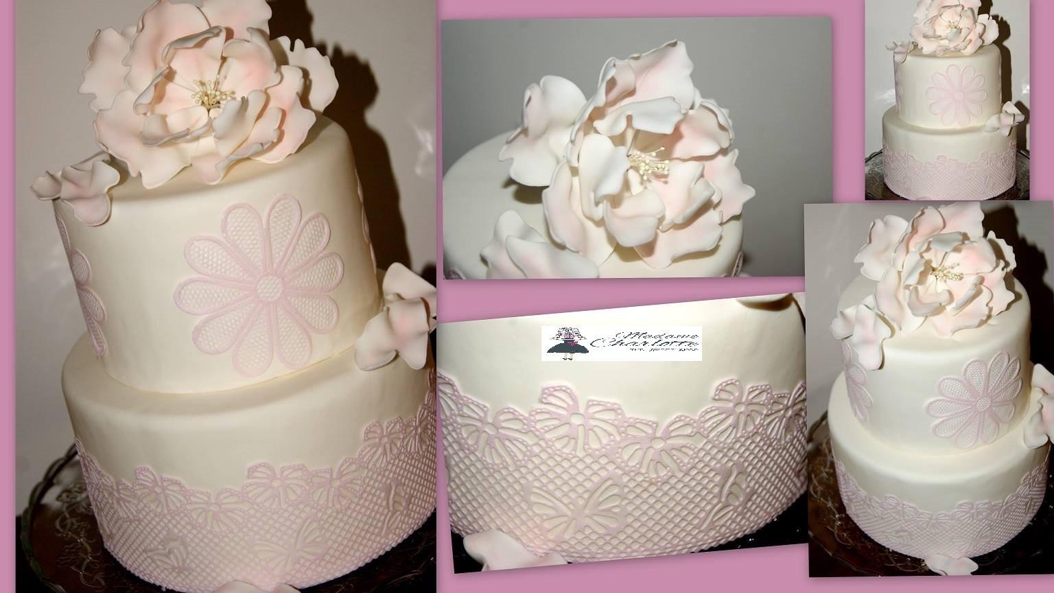 τούρτα γάμου από ζαχαρόπαστα λουλούδι και δαντέλα απο ζαχαροπαστα, Ζαχαροπλαστειο καλαματα madame charlotte, wedding cakes kalamata