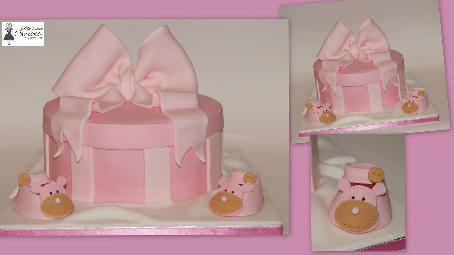 τούρτα από ζαχαρόπαστα baby shoes box, Ζαχαροπλαστείο καλαμάτα madamecharlotte.gr, τούρτες γεννεθλίων γάμου βάπτησης παιδικές θεματικές birthday theme party cake 2d 3d confectionery patisserie kalamata