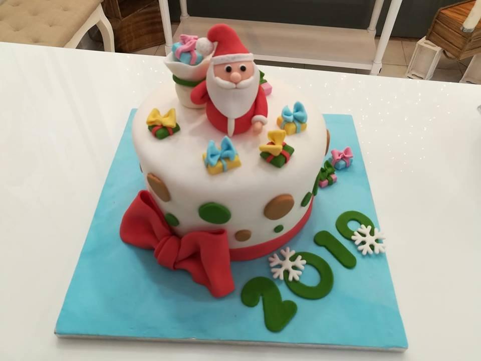 τούρτα απο ζαχαρόπαστα αγιος βασιλης με τα δωρα, Ζαχαροπλαστείο καλαμάτα madamecharlotte.gr, τούρτες γεννεθλίων γάμου βάπτησης παιδικές θεματικές birthday theme party cake 2d 3d confectionery patisserie kalamata