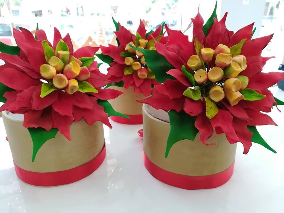 τούρτα από ζαχαρόπαστα αλεξανδρινα λουλουδια, Ζαχαροπλαστείο καλαμάτα madame charlotte, τούρτες γεννεθλίων γάμου βάπτησης παιδικές θεματικές birthday theme party cake 2d 3d confectionery patisserie kalamata