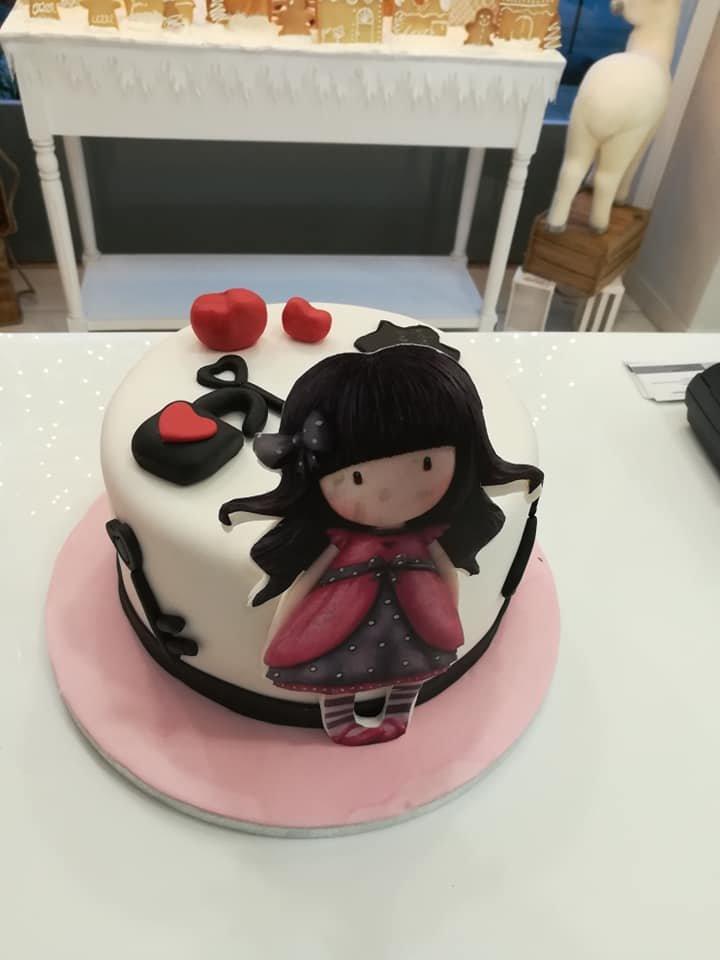 τούρτα από ζαχαρόπαστα gorjuss lovely, Ζαχαροπλαστείο καλαμάτα madame charlotte, τούρτες γεννεθλίων γάμου βάπτησης παιδικές θεματικές birthday theme party cake 2d 3d confectionery patisserie kalamata