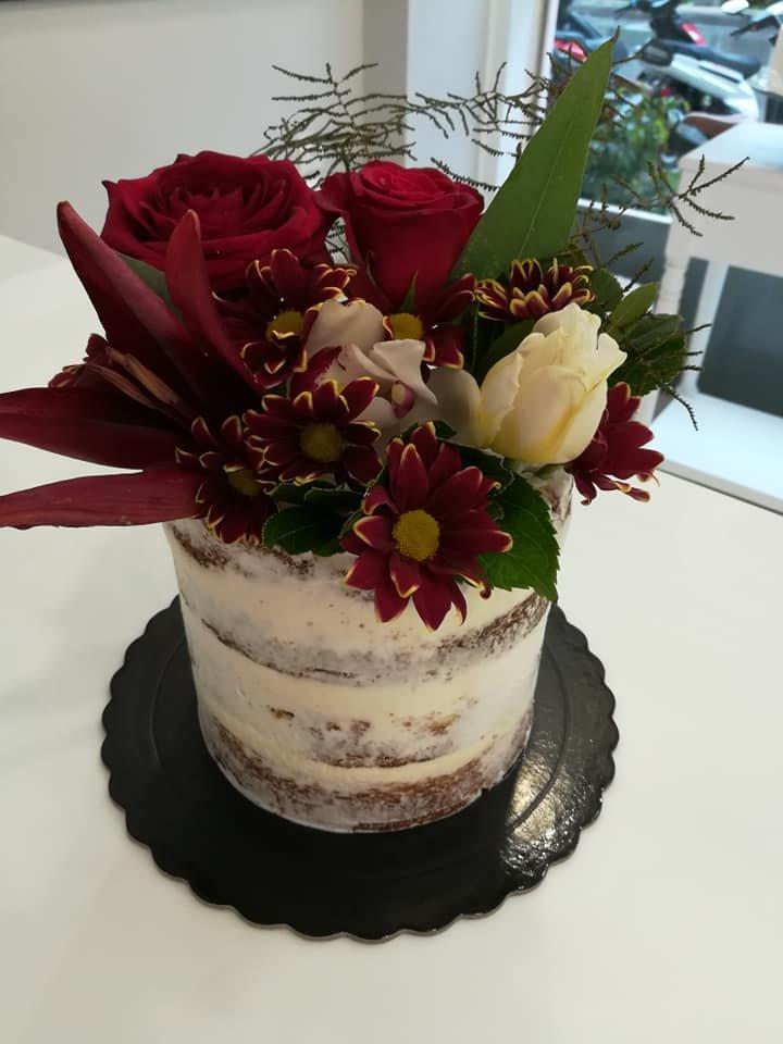 τούρτα χωρίς ζαχαρόπαστα ανθη λουλουδια μπουμπουκια τριανταφυλλα  red flowers, ζαχαροπλαστείο καλαμάτα madame charlotte, birthday wedding party cakes 2d 3d kalamata