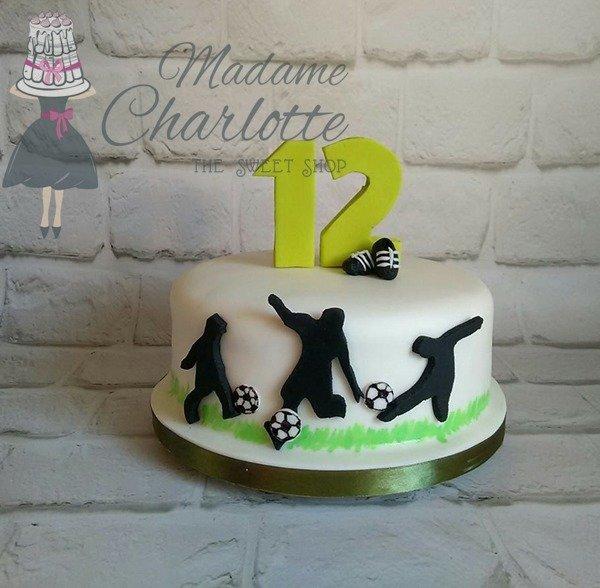 τουρτα απο ζαχαροπαστα ποδοσφαιριστες ομοδα ποδοσφαιρου, Ζαχαροπλαστείο καλαμάτα madame charlotte, τουρτες παρτι παιδικες γενεθλιων madamecharlotte.gr birthday cakes kalamata