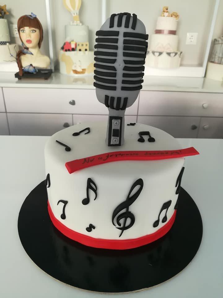 τούρτα από ζαχαρόπαστα μικρόφωνο, Ζαχαροπλαστείο καλαμάτα madame charlotte, τούρτες γεννεθλίων γάμου βάπτησης παιδικές θεματικές birthday theme party cake 2d 3d confectionery patisserie kalamata