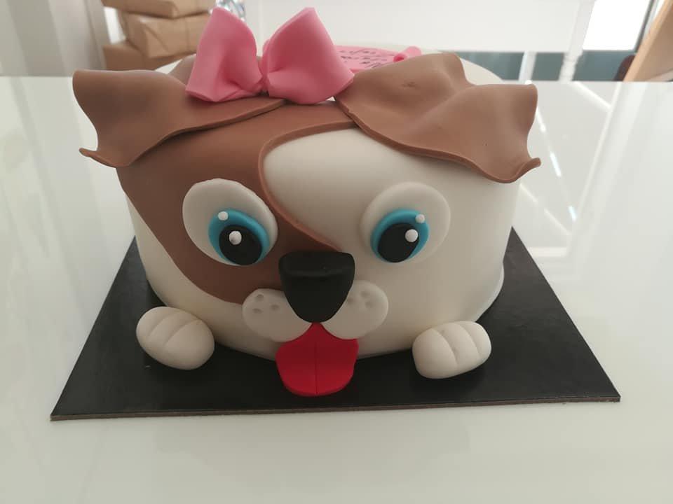 τούρτα από ζαχαρόπαστα η σκυλίτσα μας, Ζαχαροπλαστείο καλαμάτα madame charlotte, τούρτες γεννεθλίων γάμου βάπτησης παιδικές θεματικές birthday theme party cake 2d 3d confectionery patisserie kalamata