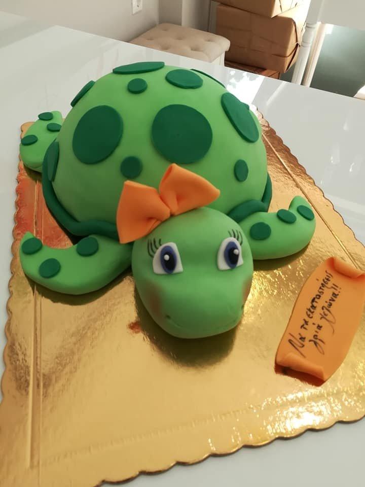 τούρτα από ζαχαρόπαστα χελώνα turtle, Ζαχαροπλαστείο καλαμάτα madame charlotte, τουρτες παρτι παιδικες γενεθλιων για αγόρια για κορίτσια για μεγάλους madamecharlotte.gr birthday cakes patisserie confectionery kalamata