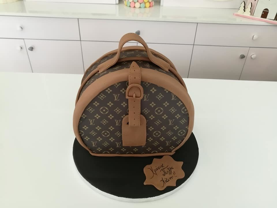 τούρτα από ζαχαρόπαστα τσάντα louis vuitton, Ζαχαροπλαστεία στη καλαμάτα madame charlotte, τούρτες γεννεθλίων γάμου βάπτησης παιδικές θεματικές birthday theme party cake 2d 3d confectionery patisserie kalamata