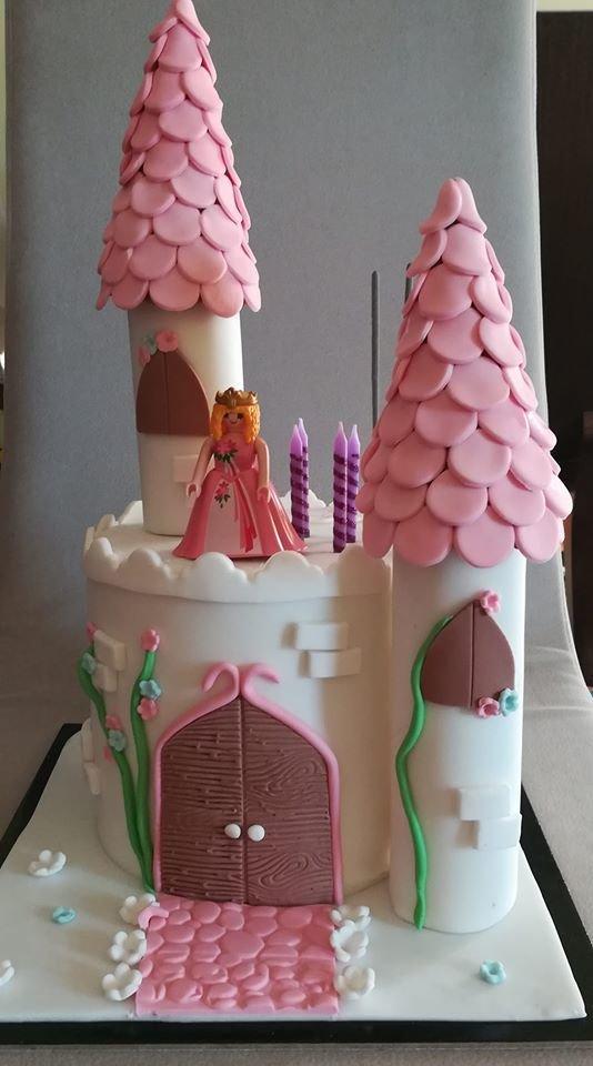 τούρτα από ζαχαρόπαστα theme cake castle κάστρο, Ζαχαροπλαστεία στη καλαμάτα madame charlotte, τούρτες γεννεθλίων γάμου βάπτησης παιδικές θεματικές birthday theme party cake 2d 3d confectionery patisserie kalamata