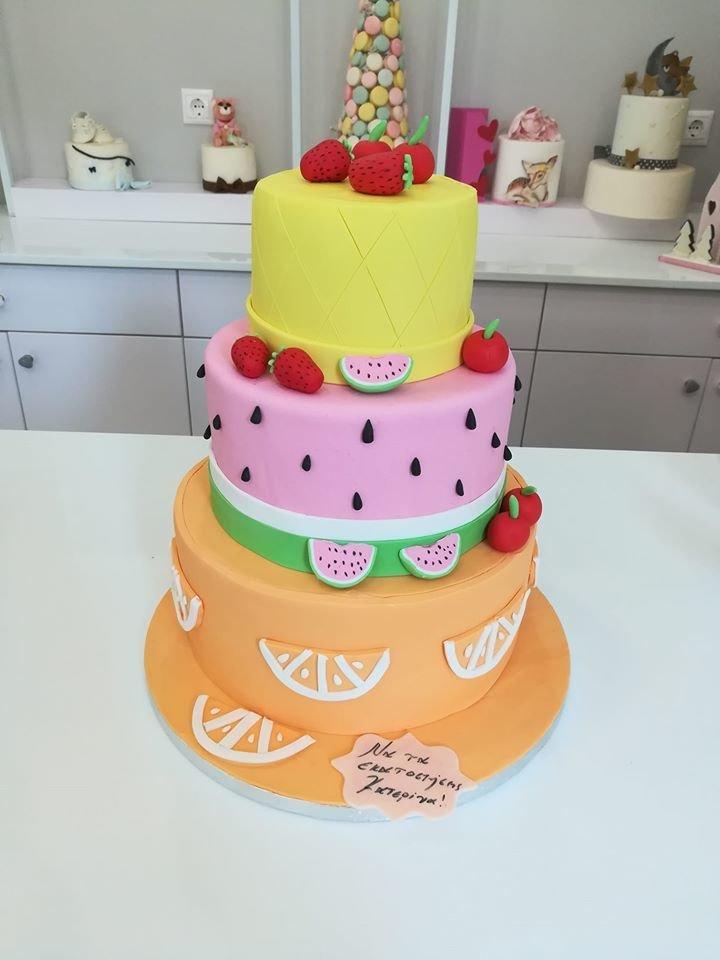 τούρτα από ζαχαρόπαστα καλοκαίρι, theme cake Summer 3 tier, Ζαχαροπλαστεία στη Καλαμάτα madame charlotte, τούρτες γεννεθλίων γάμου βάπτησης παιδικές θεματικές birthday theme party cake 2d 3d confectionery patisserie kalamata