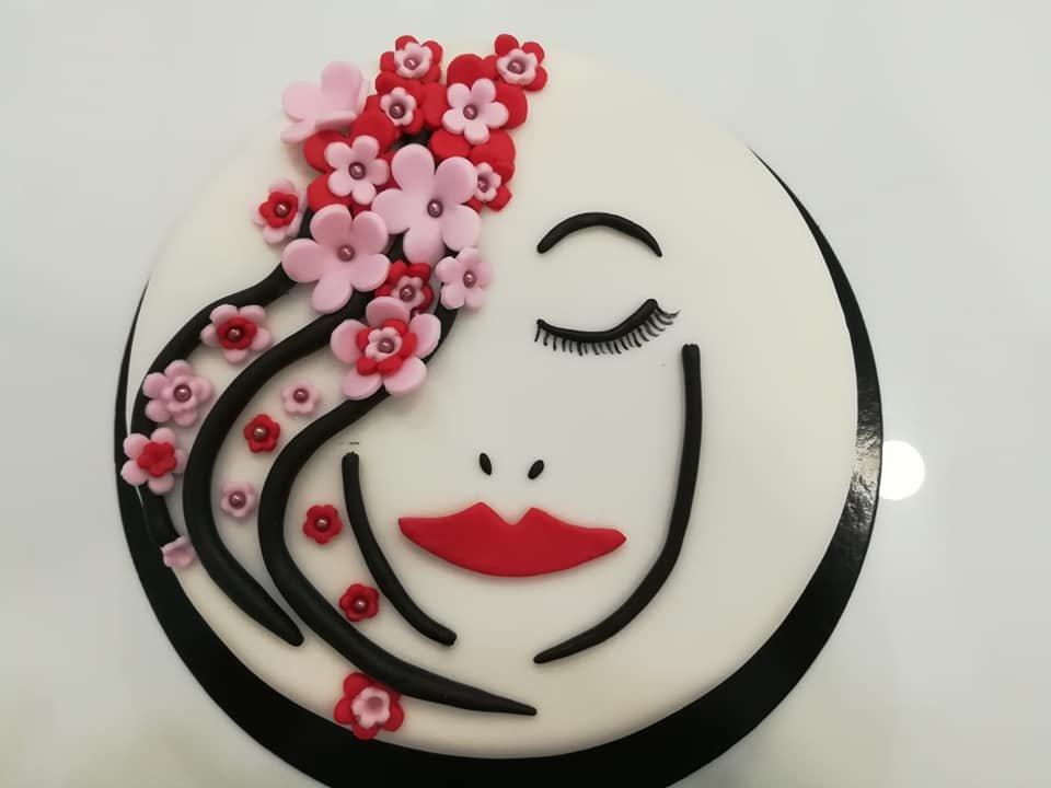 τούρτα από ζαχαρόπαστα πρόσωπο, woman's face themed cake, Ζαχαροπλαστεία στη Καλαμάτα madame charlotte, τούρτες γεννεθλίων γάμου βάπτησης παιδικές θεματικές birthday theme party cake 2d 3d confectionery patisserie kalamata