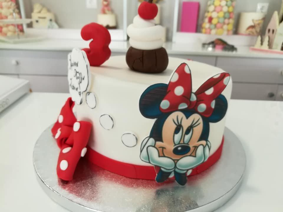 τούρτα από ζαχαρόπαστα disney mininie with cupcake themed cake, Ζαχαροπλαστεία Καλαμάτα madame charlotte, τούρτες για πάρτι παιδικές γενεθλίων για αγόρια για κορίτσια για μεγάλους, birthday themed cakes patisserie confectionery kalamata