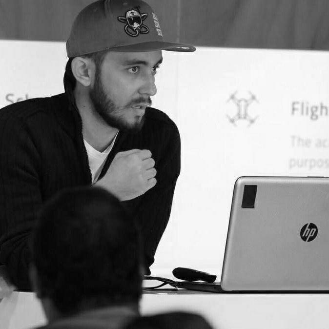 عبدالرحمن حجازي - طيار FPV مُحترف و مدرب سابق في أكاديمية سند