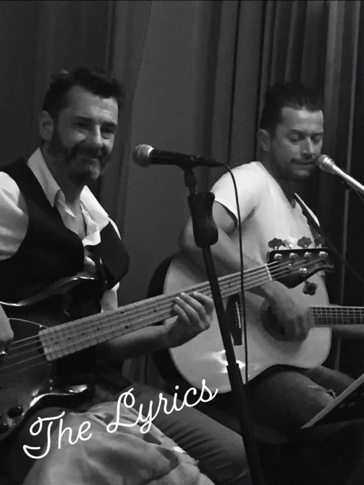 THE LYRICS, duo, trio, quartet Cover pop Anglaise, variété française et internationale Solo, duo, trio....
