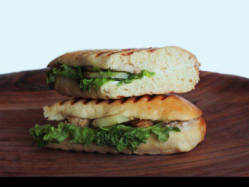 ساندويتش دجاج بيستو