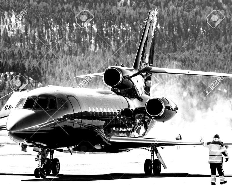 . . . EN AVION . . .               LYON SAINT EXUPERY - GENEVE AIRPORT - GRENOBLE SAINT GEOIRS - CHAMBERY AIX LES BAINS.