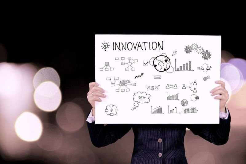 Liiketoiminta- ja innovaatioselvityksiä