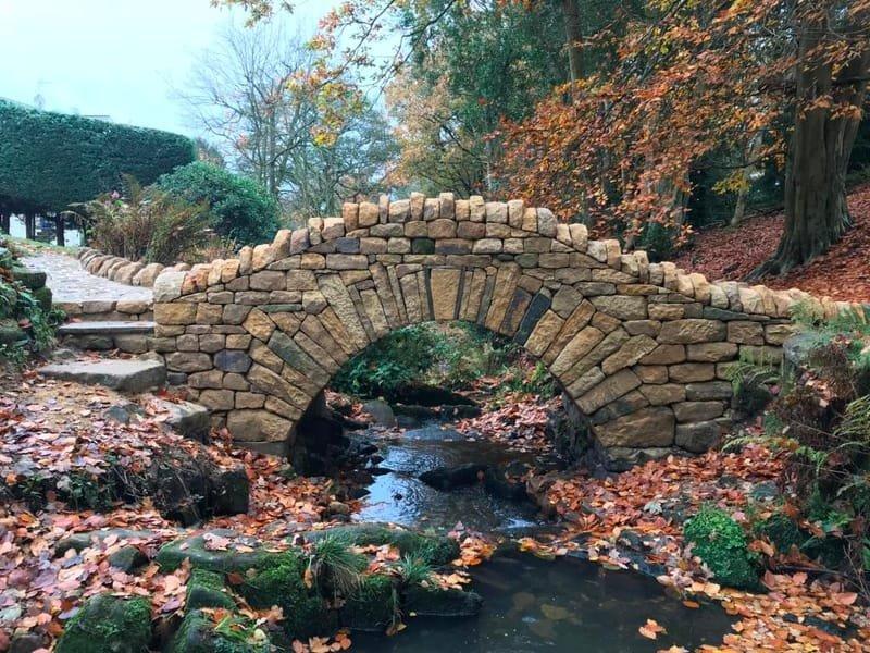Dry stone bridge