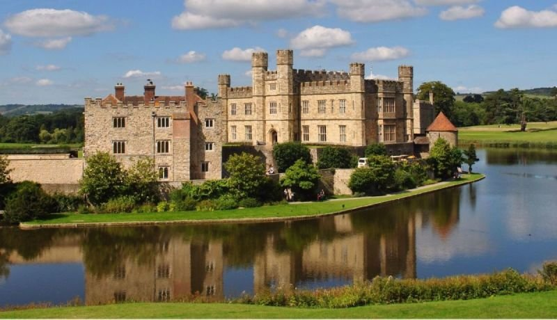 Leeds Castle or Dover Castle, Canterbury and White Cliffs of Dover  Private Car Tour