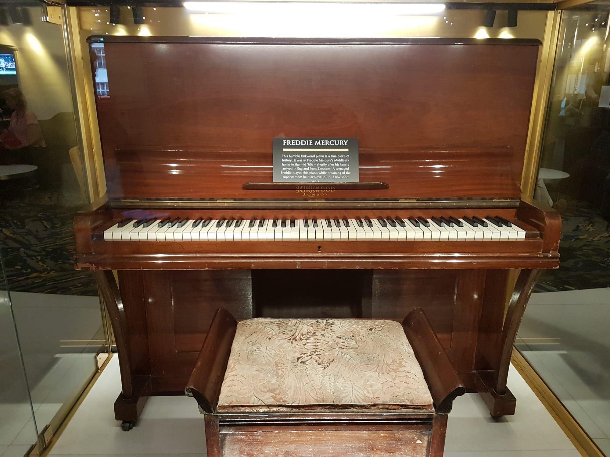 Hard Rock Hotel London Piano