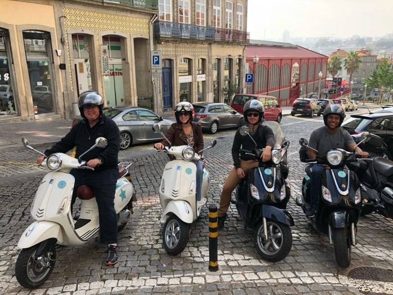 Sardinhas Scooter TOURS