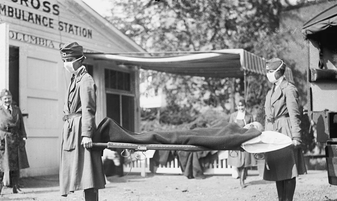 Le poste d'urgence de la Croix-Rouge à Washington D.C. durant l'épidémie de grippe espagnole, 1919 - source : National Photo Company-Wikimedia Commons