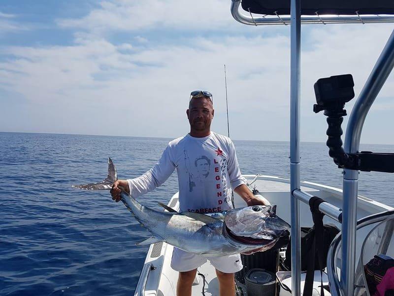 """Technique de pêche au thon rouge au """"lancée"""""""
