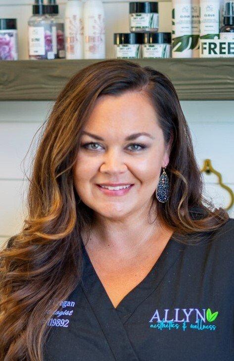 Sheena Cregan, Cosmetologist