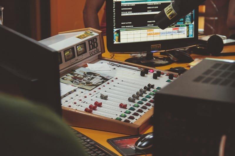 Radio Toranj   رادیو ترنج