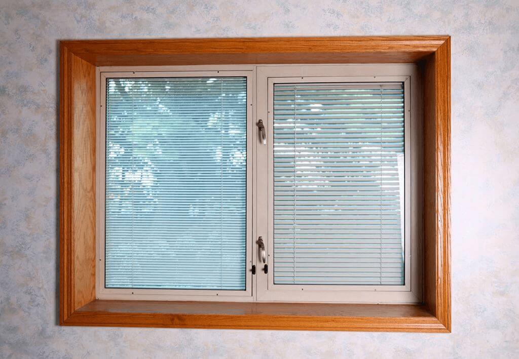 between-glass-blinds