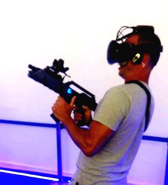 VR SHOOTING & SIMULATION AREA