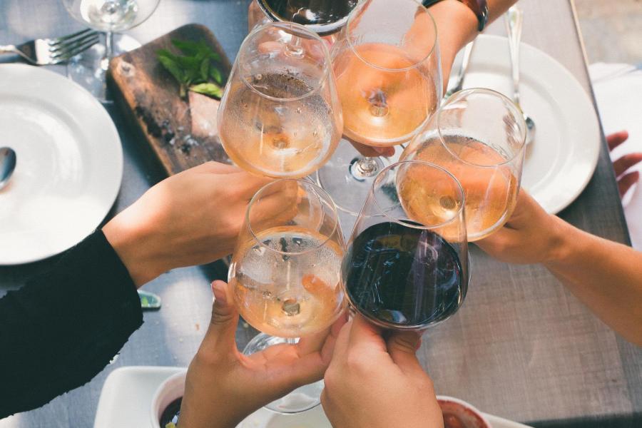 Du vin suisse à l'apéritif !