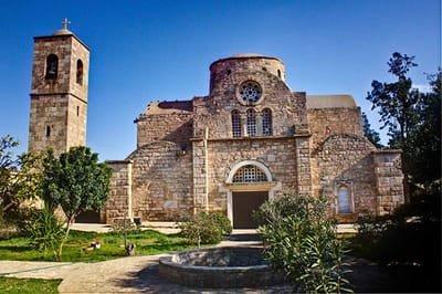 ST.BARNABAS MANASTIRI (MAĞUSA)