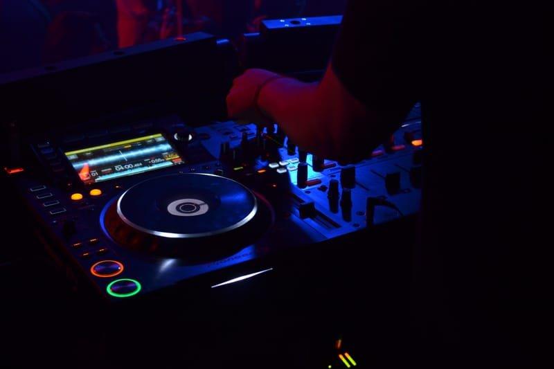 Bar & Club DJ's