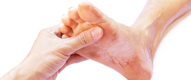 تورم القدم اليسرى تعرف على أهم المعلومات الاستشارات الصحية لأمراض السمنة وجراحات المناظير