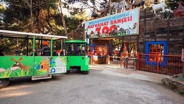 حديقة الحيوانات في انطاليا