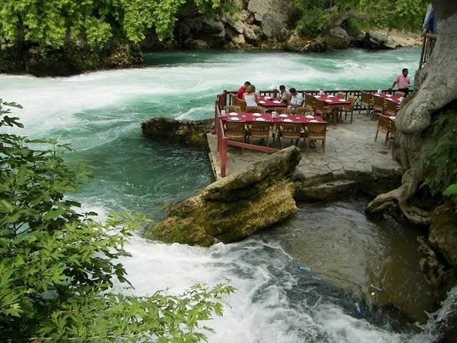 مطعم الوبينار في انطاليا