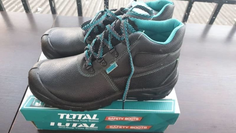 Total Standard Safety Boots All Sizes Available.