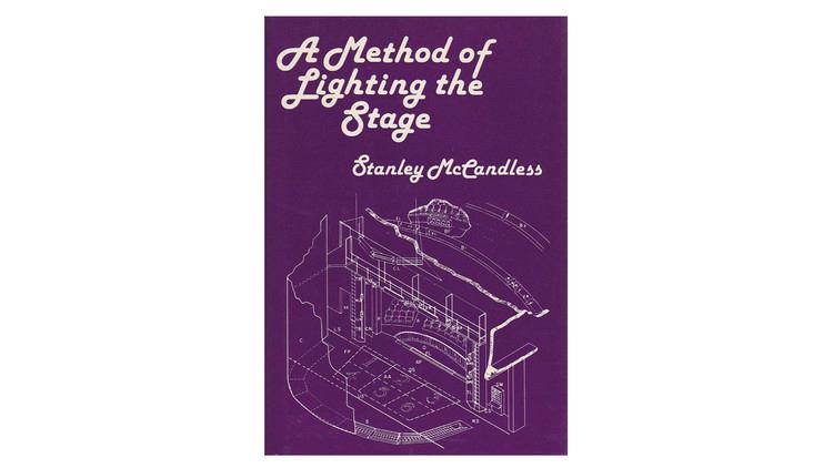 Um método de iluminar o palco / Stanley McCandless.  Imagem via Amazon