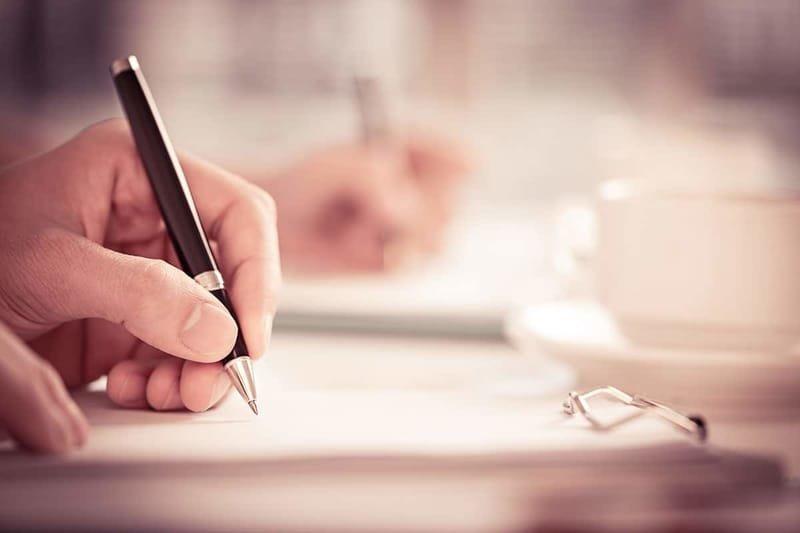 كتابة اللوائح والمذكرات